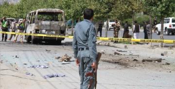 Afganistan'da yol kenarındaki bomba patladı: En 32 ölü!
