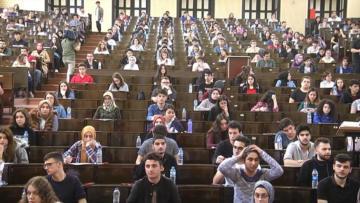 Üniversite sınavına giren adayların yarısına yakını 100 soruda 16 net yapamadı