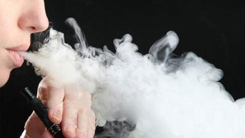Elektronik sigara kaynaklı hastalıkta yeni ölüm!