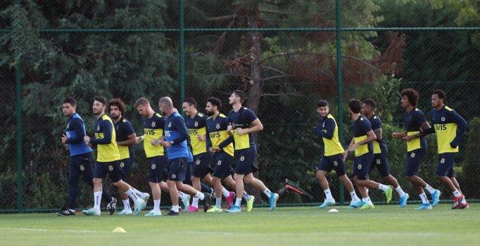 Fenerbahçe'de Alanyaspor maçı hazırlıkları sürüyor