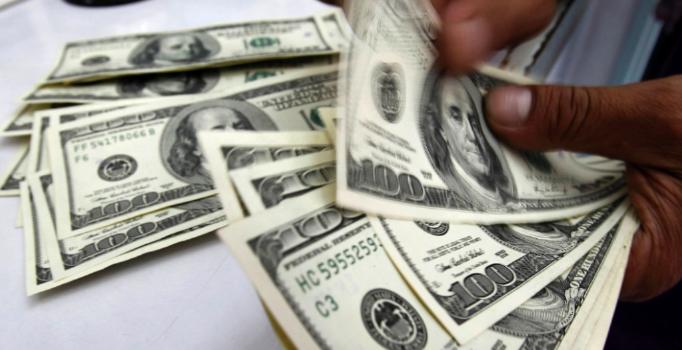 Dolar/TL haftaya 5,71 seviyesinde başladı