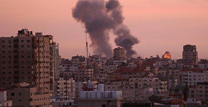 İsrail zulmü devam ediyor: Gazze'de birçok noktayı bombaladı