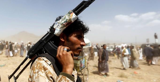 Husilerden Suudi Arabistan'ın askeri kampına saldırı