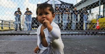 ABD'ye göç 'Meksika' duvarına çarptı