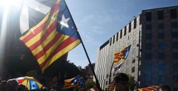 İspanya'da ayrılıkçı Katalan siyasetçilere hapis