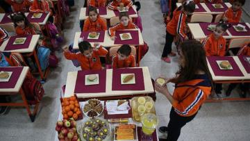 Diyetisyen Pelin Güloğlu'nun yazısı: Okul çağı çocuklarında beslenme