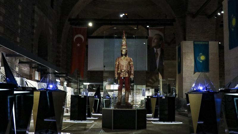 Altın Elbiseli Adam Türkiye'de